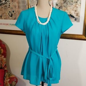 Simply Vera tail color pleated blouse, size 10